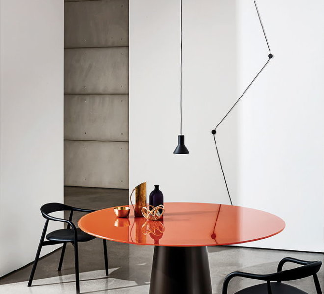 SOVET - table totem